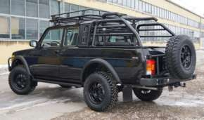 Lada 4x4 pickup (2329)